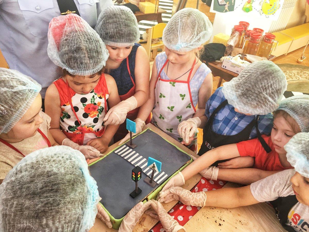 Пирог с дорогой испекли в Нижнем Новгороде - фото 1