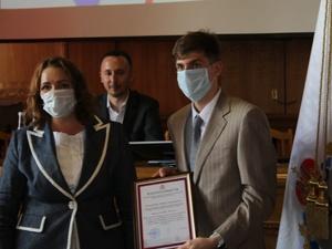 Волонтеров, которые помогали медикам в пандемию, наградили в Нижнем Новгороде