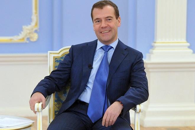 Кандидатуру Дмитрия Медведева рассматривают вкачестве Председателя руководства РФ