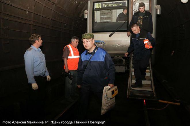 Нижегородский метрополитен показал фото эвакуации пассажиров - фото 3