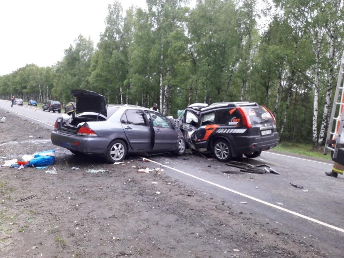 Три легковушки столкнулись в Борской районе: четыре человека погибли, семь пострадали - фото 1