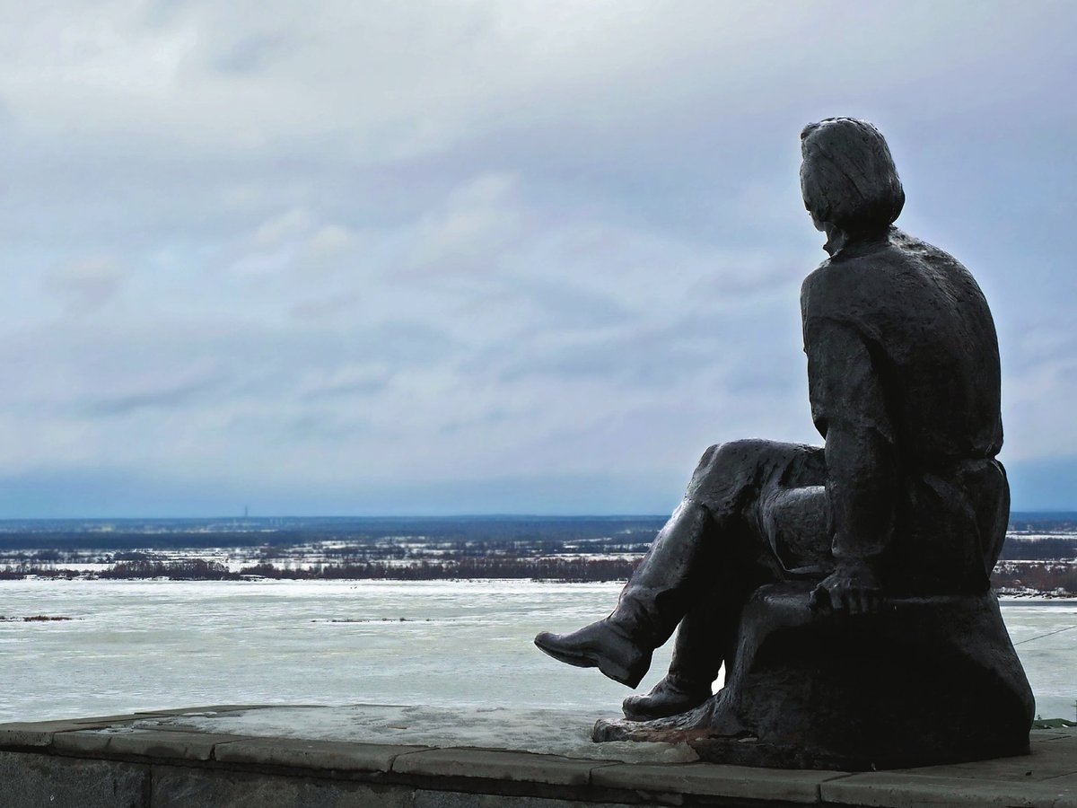 Памятник Горькому на набережной Федоровского хотят отреставрировать в 2020 году - фото 1