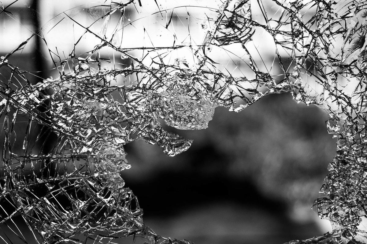 Автомобиль вылетел в кювет в Сосновеком районе: один человек погиб и двое пострадали - фото 1