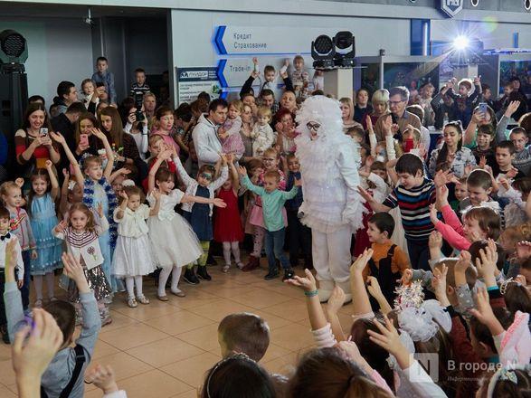 «Луидор» устроил новогоднее гулянье для сотен нижегородцев и их детей - фото 24