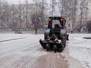 Магистрали Нижнего Новгорода очистили от снега и обработали против гололеда