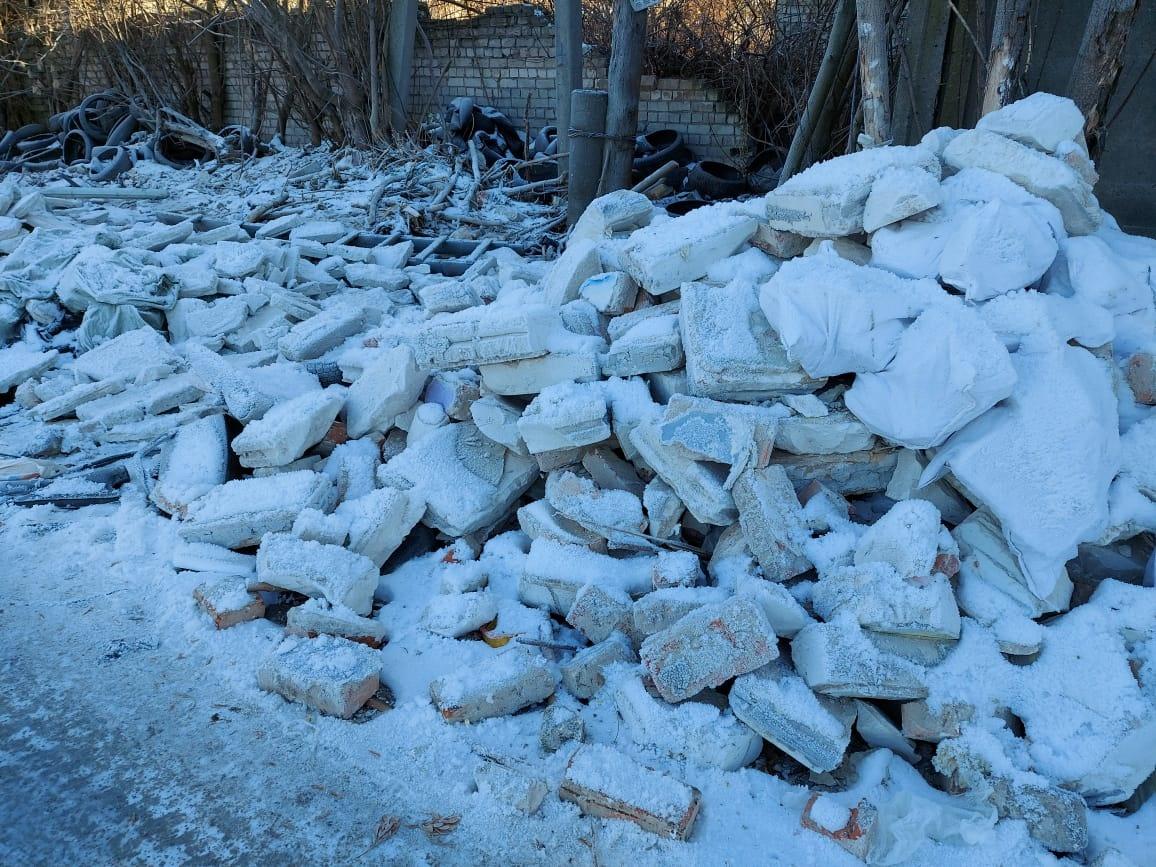 Свыше пяти кубометров бесхозного строительного мусора обнаружено в Канавинском районе - фото 2