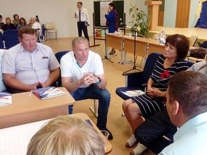 Дмитрий Сватковский встретился с жителями Бутурлинского района