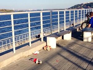 Нижегородцы жалуются на мусор на Волжской набережной