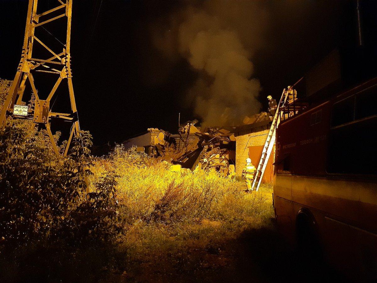 Взрыв разрушил автосервис в сормовском гаражном кооперативе - фото 1