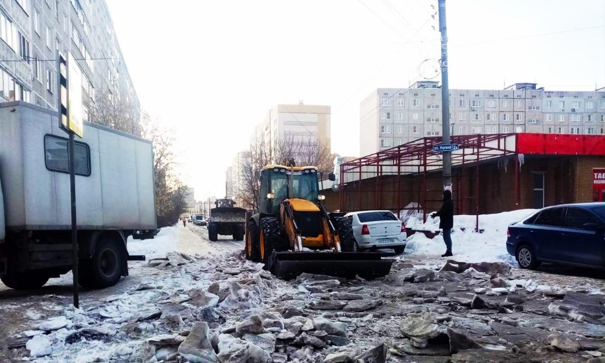 Стал известен план по уборке снега в выходные в Московском и Сормовском районах - фото 1