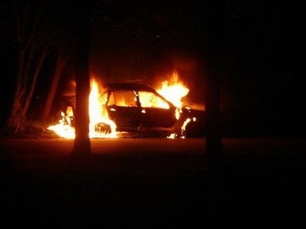 В Кстовском районе «Лада» опрокинулась в кювет и загорелась