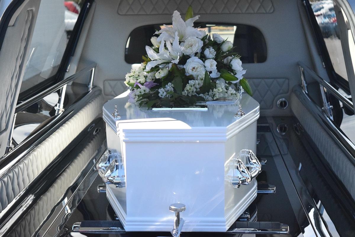 Нижегородские депутаты поддержали введение лицензирования похоронной деятельности
