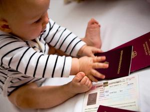 Без паники: какие документы понадобятся, чтобы отправить ребенка в детсад, школу или путешествие