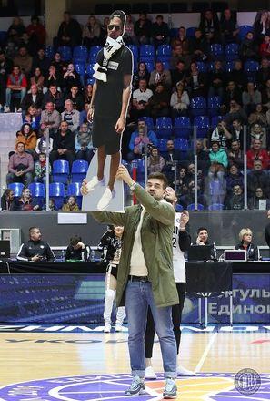 Картонный болельщик поддержал БК «НН» в победном матче с «Цмоки-Минск» - фото 3