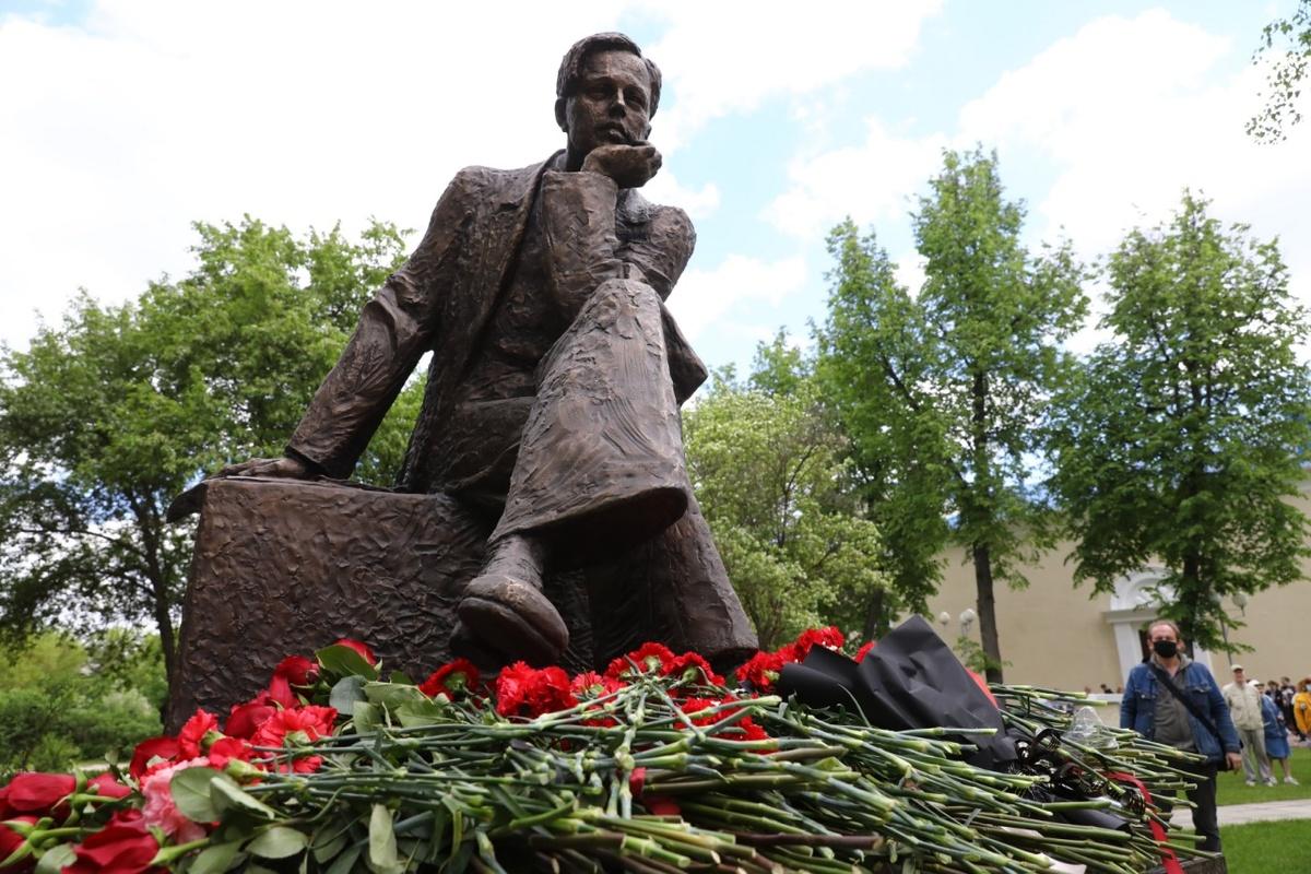 Памятник Андрею Сахарову открыли в Сарове Нижегородской области - фото 1