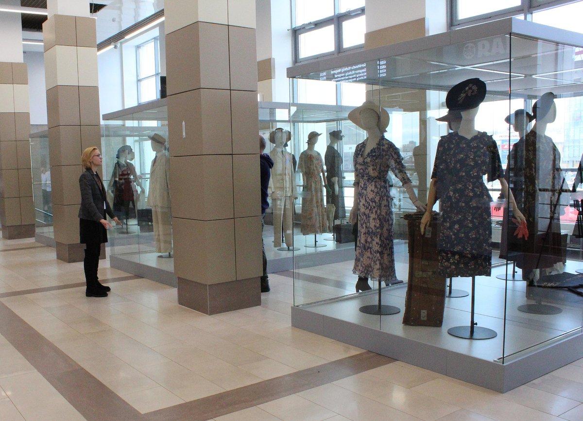 Историк моды Александр Васильев открыл уникальную выставку в Нижнем Новгороде - фото 3