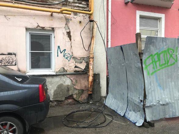 ОНФ обнаружил аварийные дома и провалы в асфальте на исторических улицах Нижнего Новгорода - фото 6