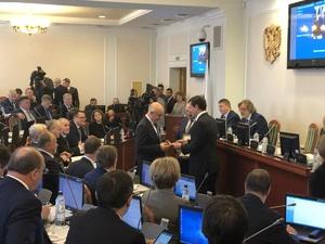 Почетные граждане Нижегородской области получили медали и удостоверения