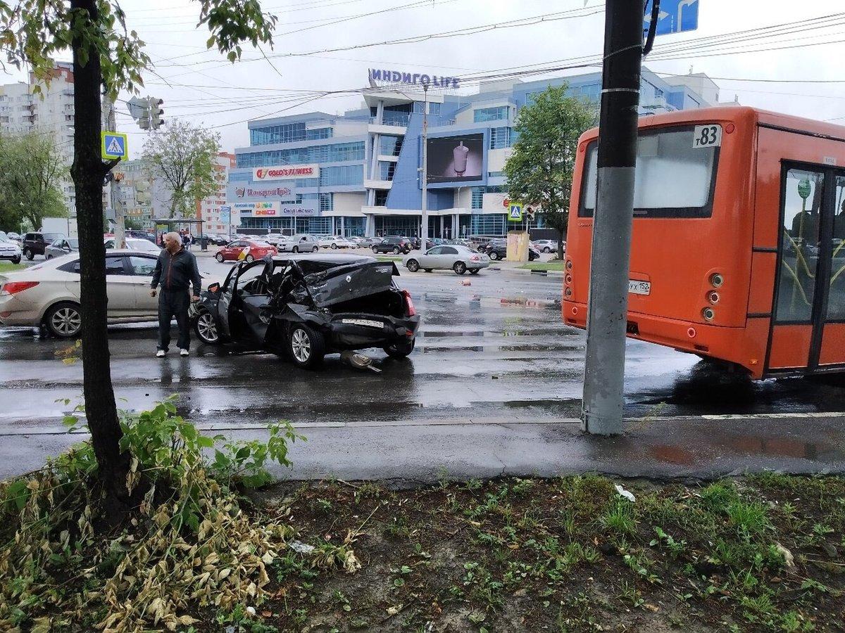 Самосвал и легковушка не поделили дорогу на Казанском шоссе 11 июля - фото 1
