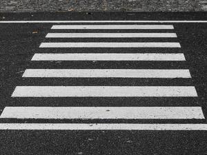 Водитель иномарки сбил трех человек на пешеходном переходе в Советском районе