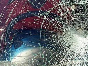 Водитель «Мерседеса» попал в больницу из-за доски на дороге в Нижегородской области
